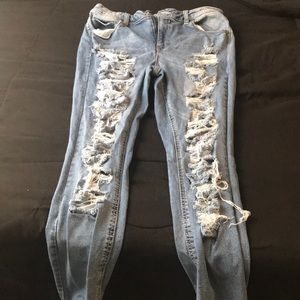 Rue 21 Mid Rise Ankle Jeans. Size 12. Lightly worn